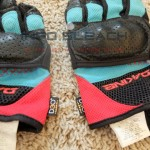 info-bleach-dakine-defender-mtb-gloves-review-closeup
